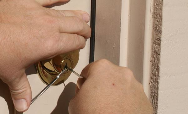 Durham Ga House Unlock Locksmith At Work